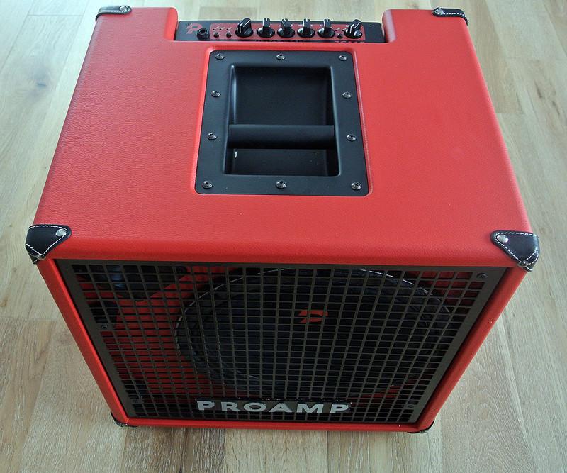 "Proamp Italy - ZC112 - 300 W Ultra Light Bass Combo With 12"" Speaker"
