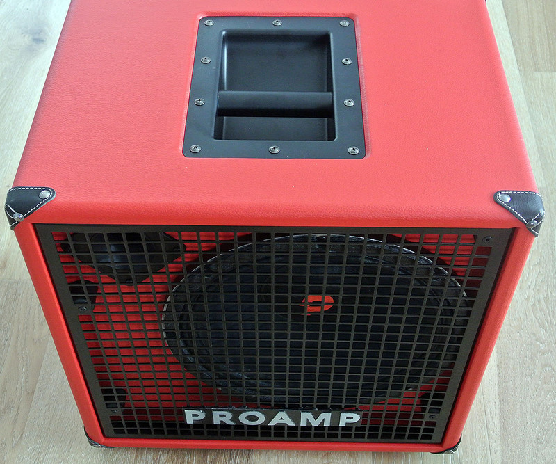 "Proamp Italy - N112 - 300 W RMS 600 W Handling Ultra Light Bass Cabinet with 12"" Speaker"