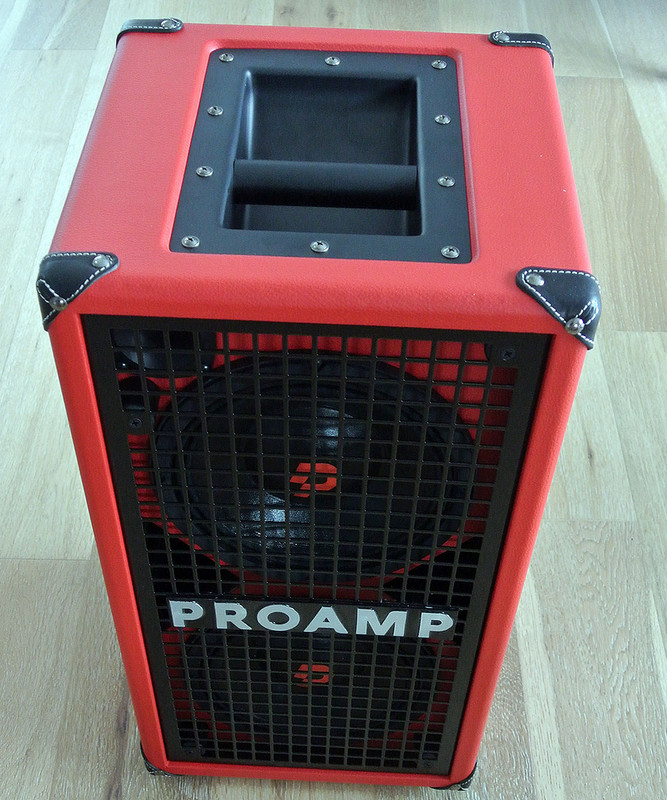 "Proamp Italy - N208 - 600 W RMS 1200 W Handling Ultra Light Bass Cabinet with 2 8"" Speakers"