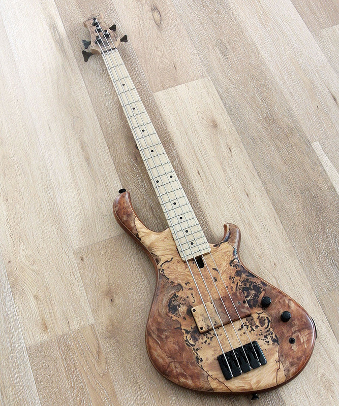 "MensingerCazpar 4p - 4 String Short 30""Bass With Spalted Maple Top"