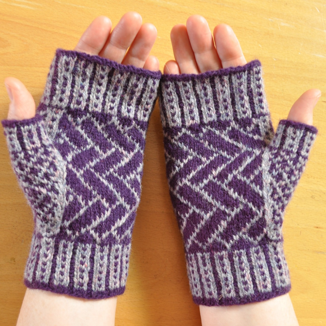 Brickazag Mitts pattern