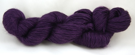 Fyberspates Scrumptious Chunky Yarn in Purple