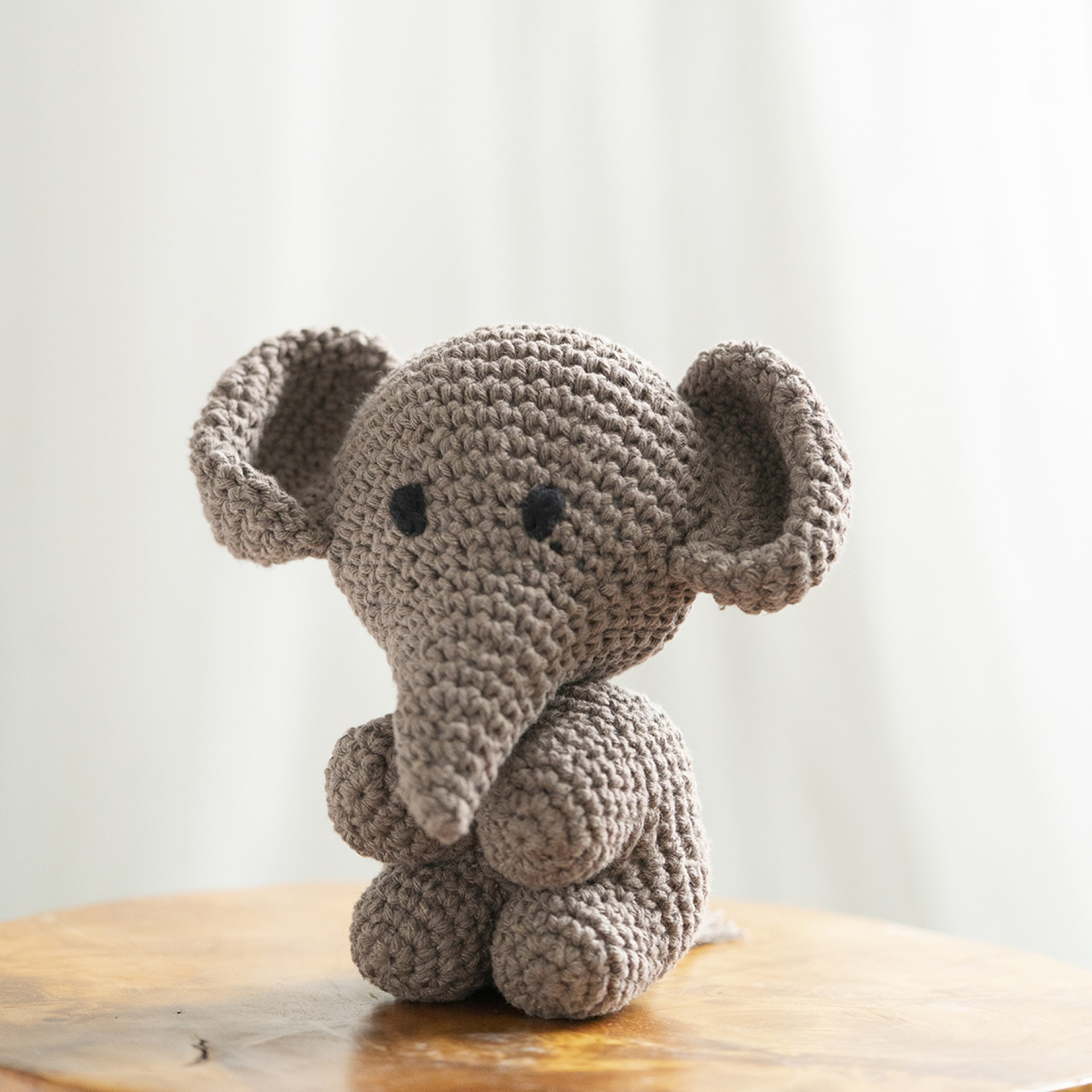 Hoooked DIY Crochet Kit Elephant Mo Amigurumi Eco Barbante Recycled Toy Gift