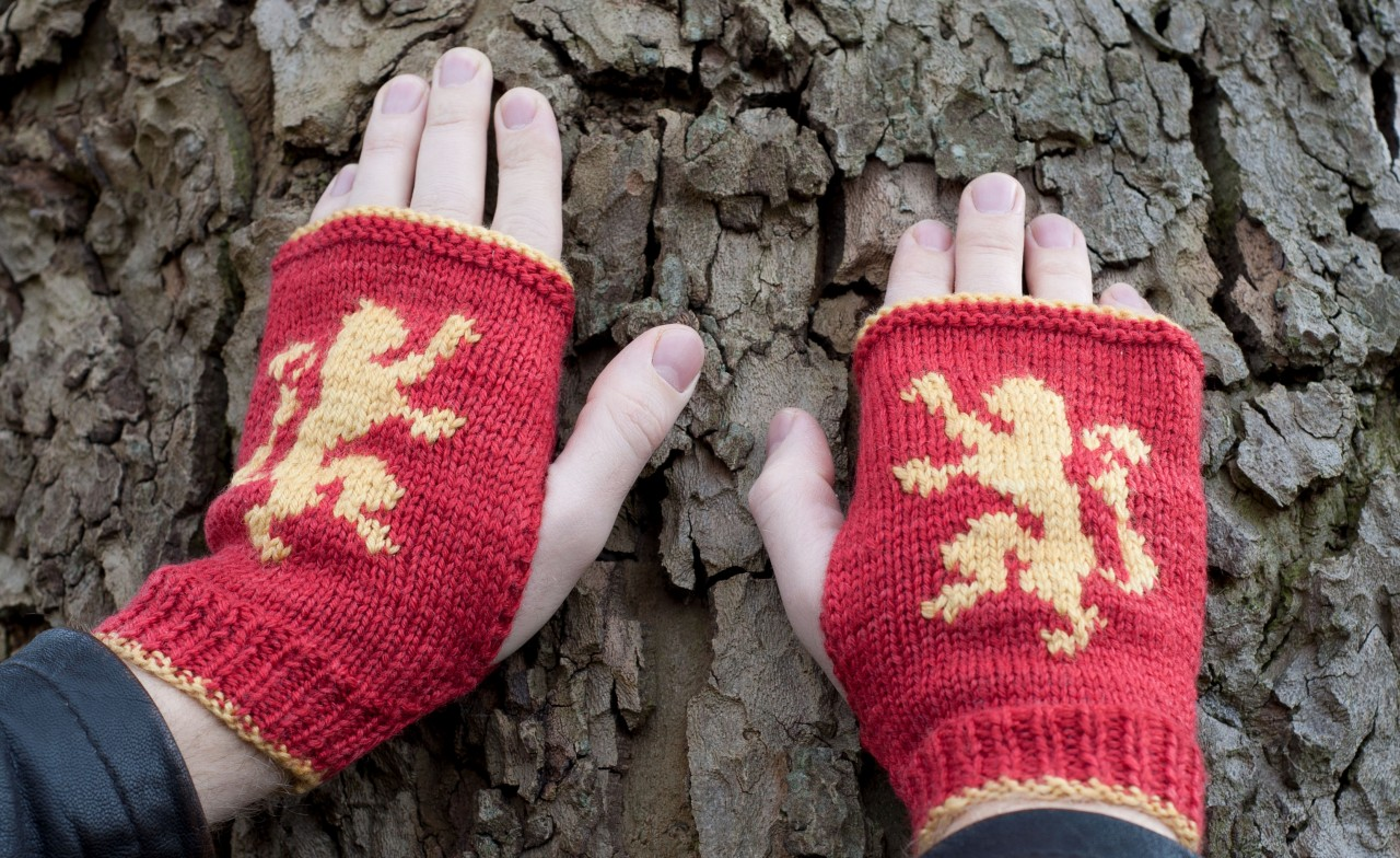 Game of Thrones: Lannister mitts kit