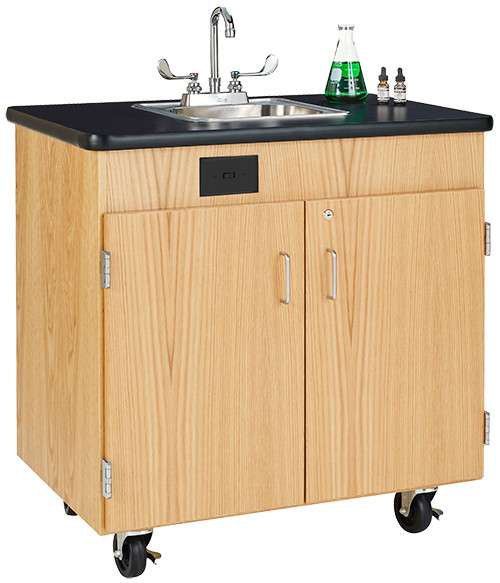 Diversified Woodcrafts Mobile Hand Washing Station