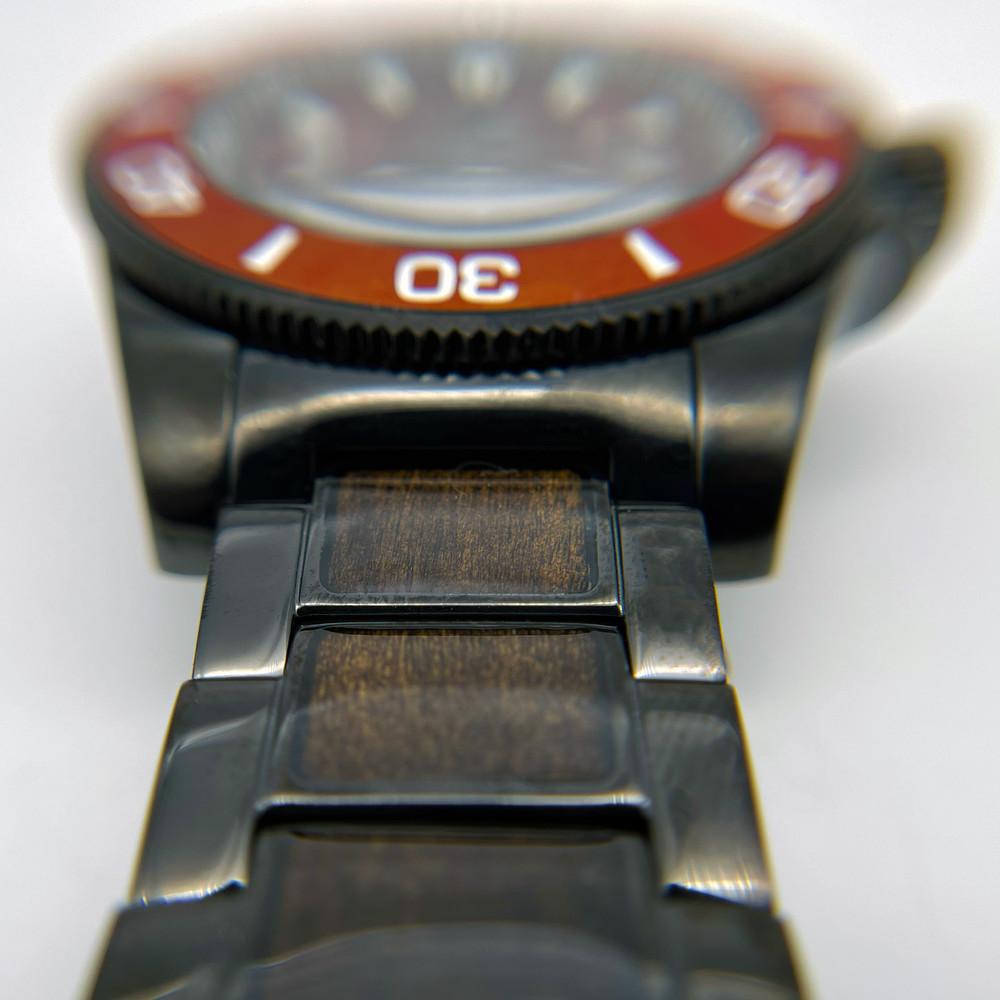 Nice Black (Crimson / Sandalwood)
