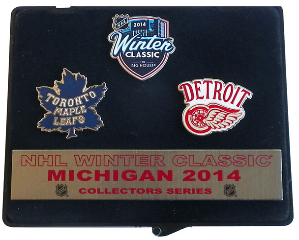 2014 NHL Winter Classic Pin Set