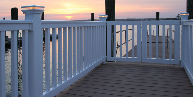 RDI Select Series Vinyl Railing