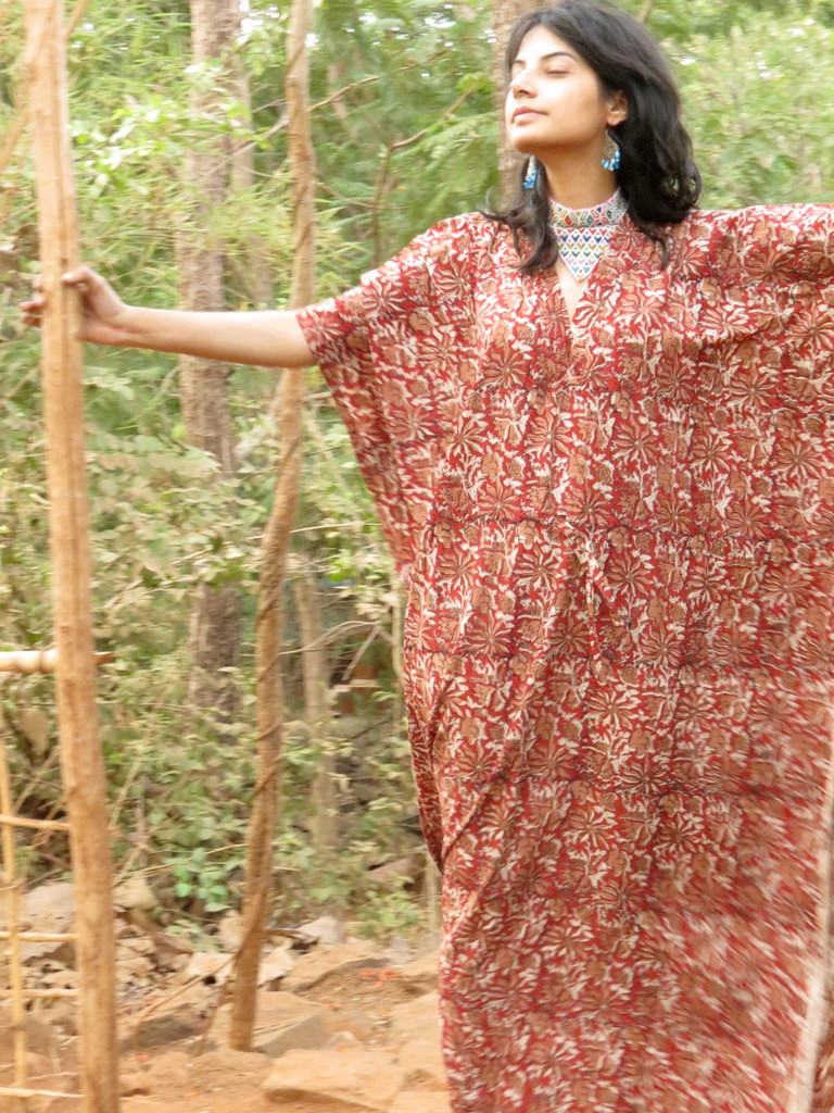 """Organic Au Naturelle"" Cinched Drawstring kaftan in Red Cream Floral pattern"