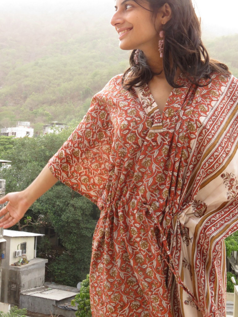 """Organic Au Naturelle"" Cinched Drawstring kaftan in Red Floral Leafy Border pattern"