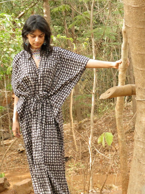 """Organic Au Naturelle"" Cinched Drawstring kaftan in Black White Leafy Pattern"