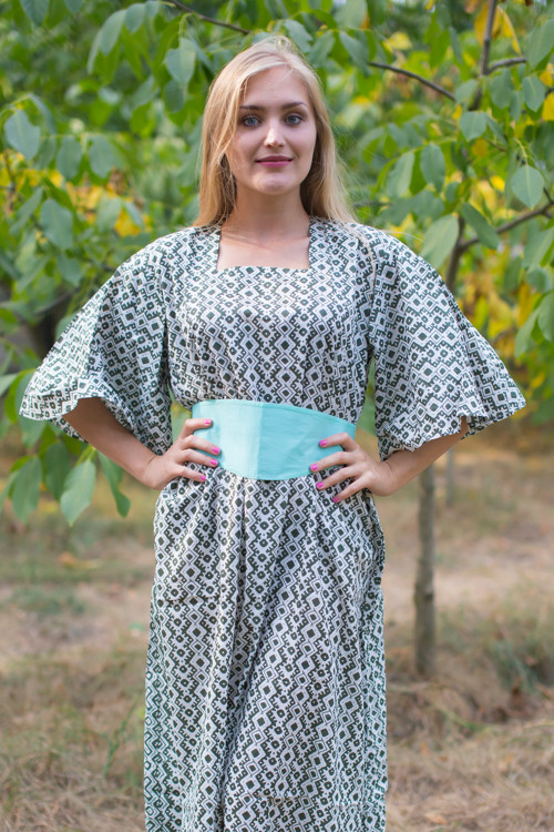 """Beauty, Belt and Beyond"" kaftan in Geometric Chevron pattern"