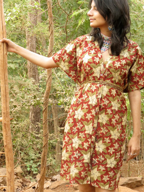 """Organic Au Naturelle"" Button-Front kaftan in Red Green Floral pattern"