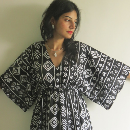 """I wanna Fly"" kaftan in Tribal Aztec pattern"