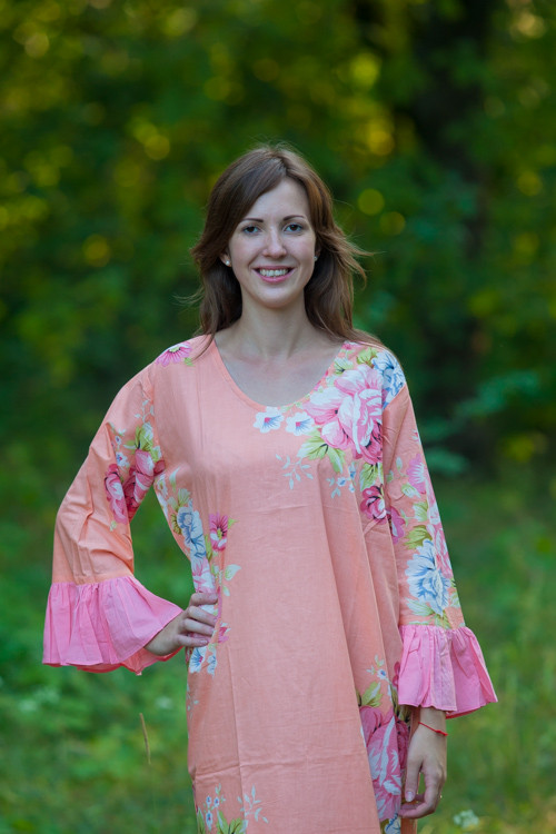 """Frill lovers"" kaftan in Cabbage Roses pattern"