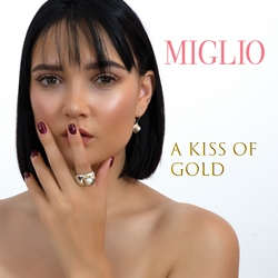 a-kiss-of-gold-new-cover-250-x-250.jpg