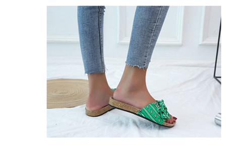 Bow flat beach sandals