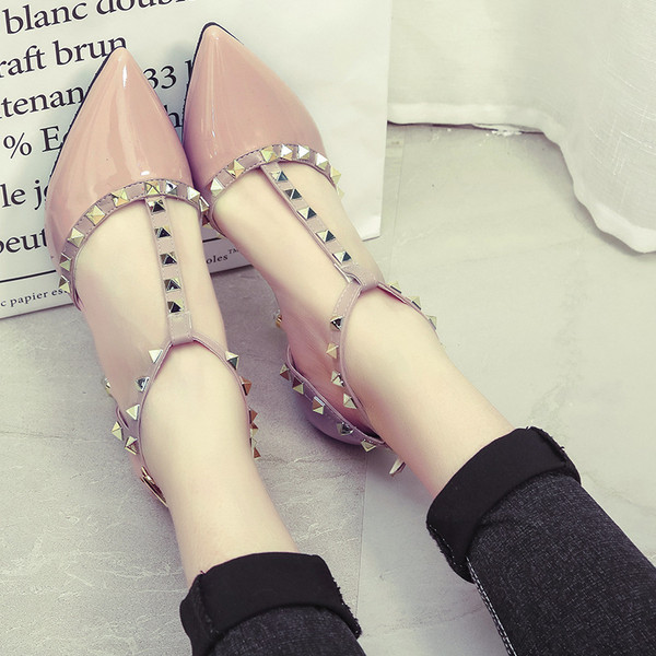 Elegant look High-heeled Shoes with rockstud