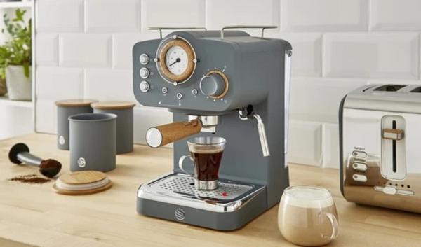 Swan Retro-Style Espresso Coffee Machine