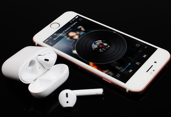 Apple Compatible Wireless Earbuds With Charging Dock