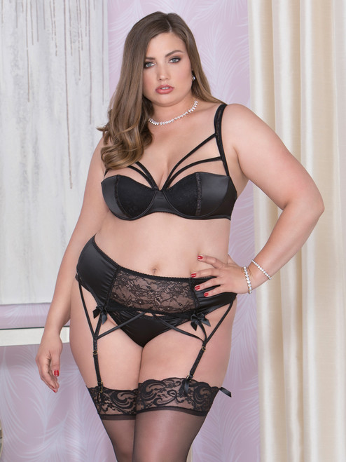 Women Plus Size Bra Garter and Panty Lingerie Intimates Set Front View
