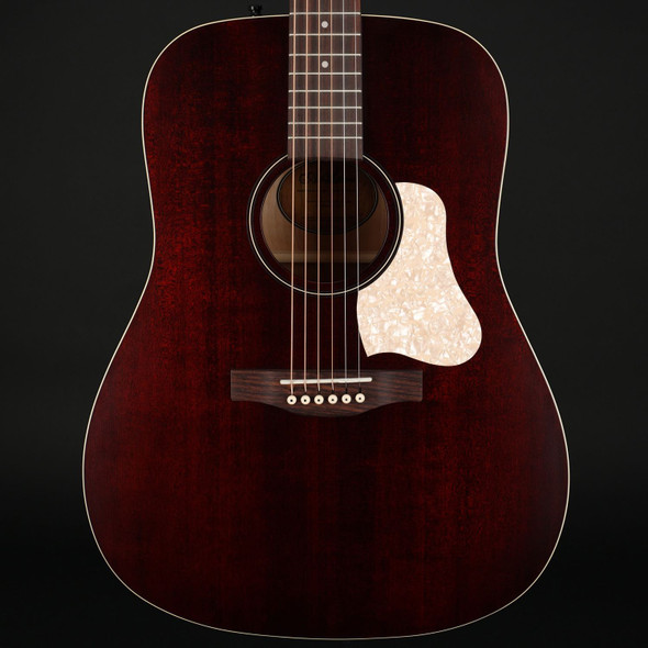Art & Lutherie Americana Dreadnought Acoustic Guitar in Tennessee Red
