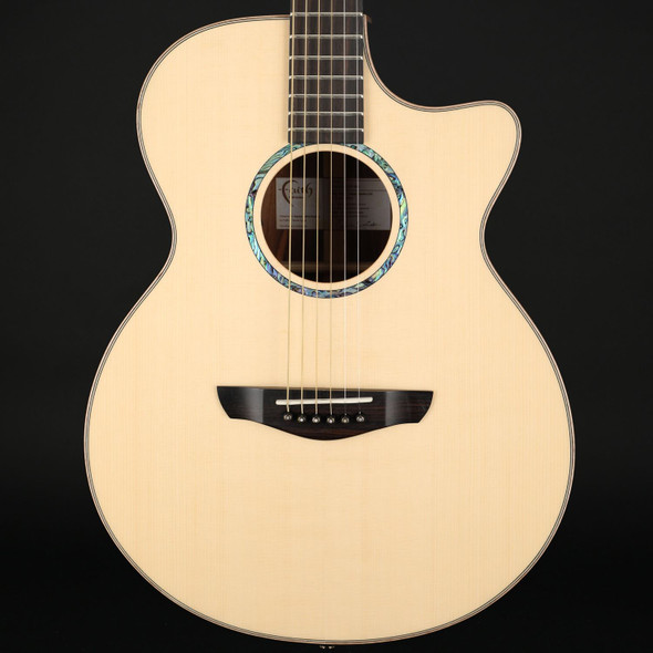 Faith Hi-Gloss Venus Percussive Electro Acoustic in Natural with Case #201241986