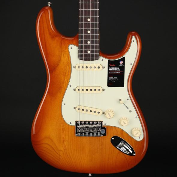 Fender American Performer Stratocaster, Rosewood Fingerboard in Honey Burst #US210015272