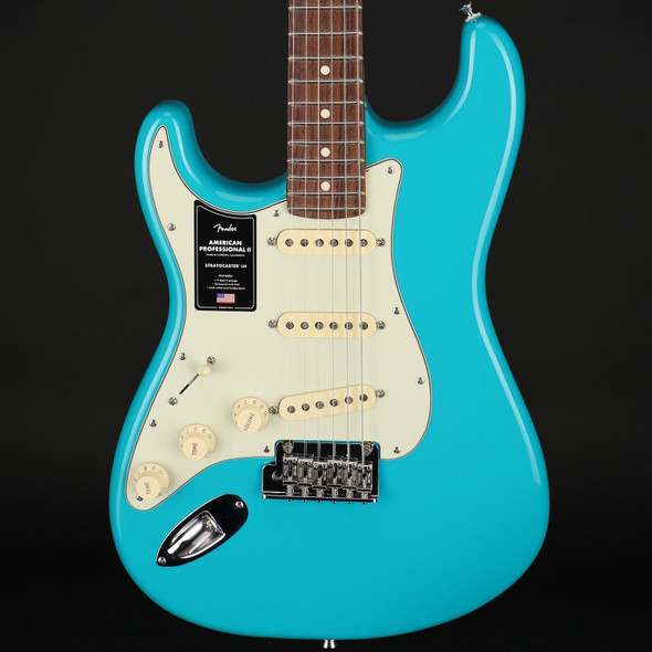 Fender American Professional II Stratocaster Left-Handed, Rosewood Fingerboard in Miami Blue #US210005995