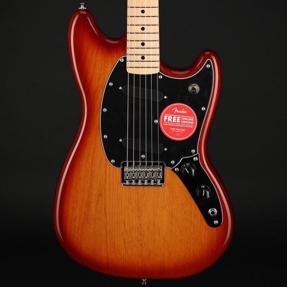 Fender Player Mustang, Maple Fingerboard in Sienna Sunburst #MX21045545