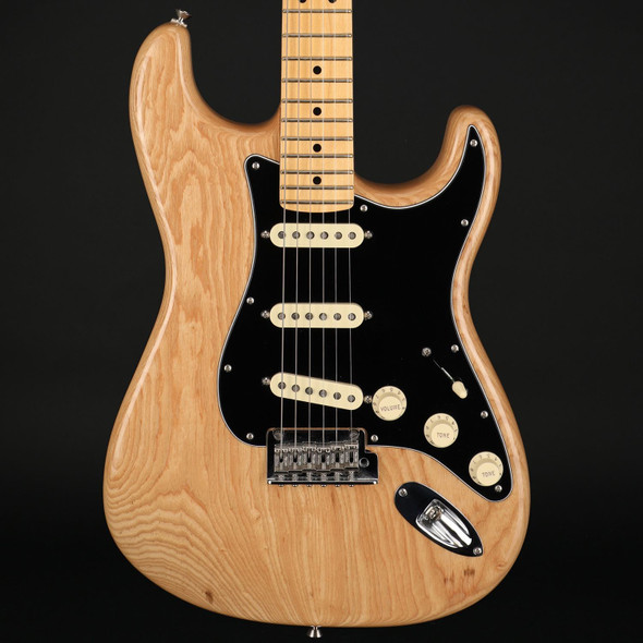 Fender American Professional Stratocaster, Maple Fingerboard in Natural #US17080435 - Pre-Owned