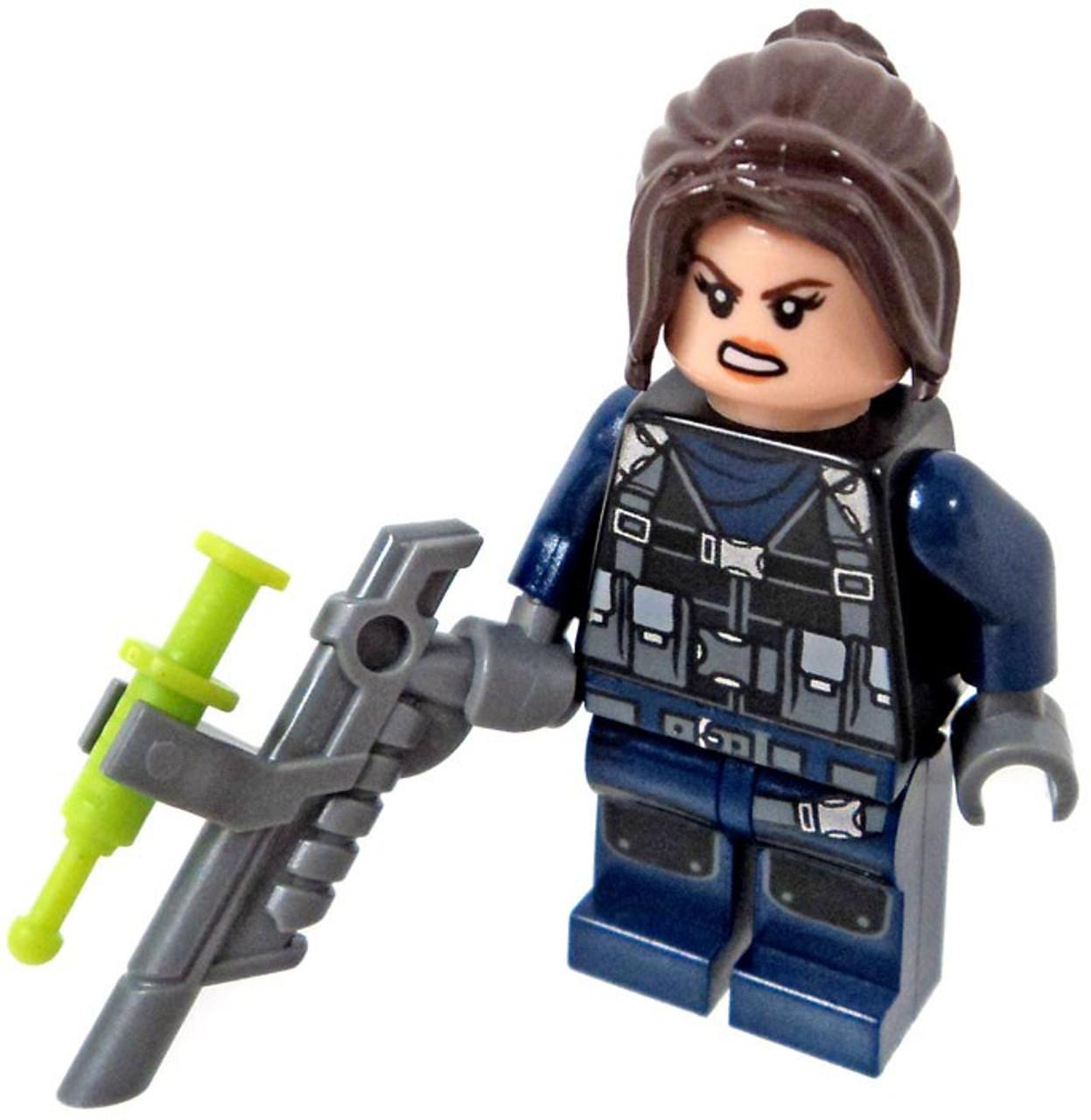 LEGO Jurassic World Fallen Kingdom Female Guard Minifigure