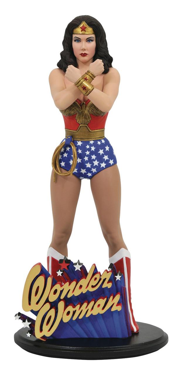 PVC Figure Lasso Comic Version Diamond Select Toys Gallery Wonder Woman