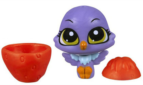 Littlest Pet Shop The Littlest Pets Collection Series 2 Purple Bird with Strawberry 1-Inch [Loose]