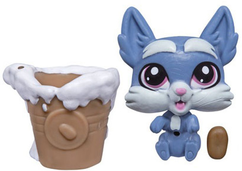 Littlest Pet Shop The Littlest Pets Collection Series 2 Blue Gray Dog with Bucket 1-Inch [Loose]