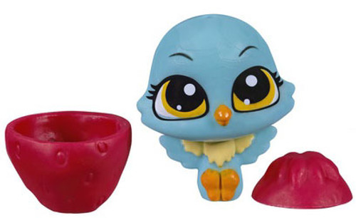 Littlest Pet Shop The Littlest Pets Collection Series 2 Blue Bird with Strawberry 1-Inch [Loose]