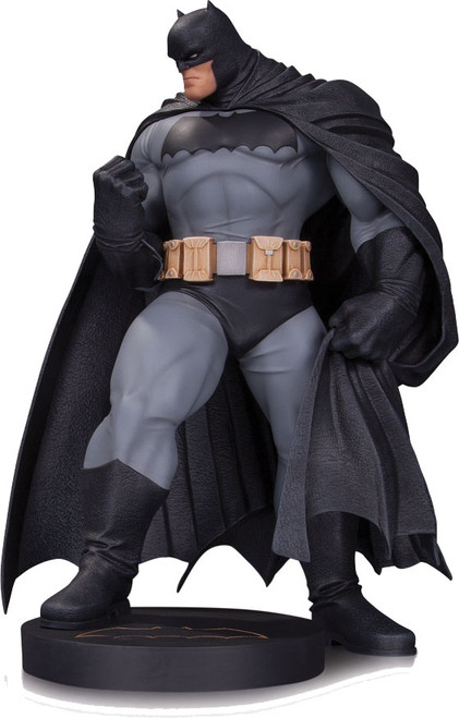 "DC Comics Designer Series Andy Kubert Batman Statue [12"" Version]"