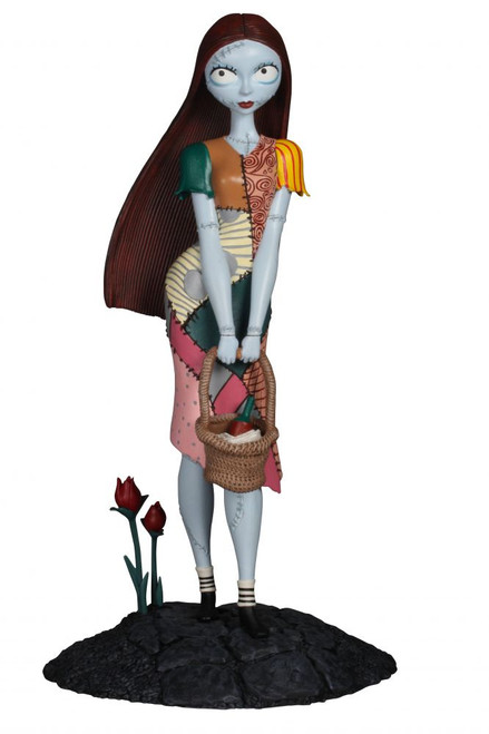 Nightmare Before Christmas Femme Fatales Sally 9-Inch PVC Statue