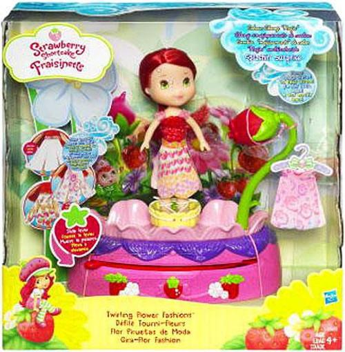 Strawberry Shortcake Twirling Flower Fashions Playset