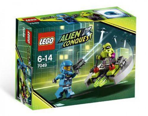 LEGO Alien Conquest Alien Striker Set #7049