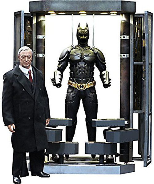The Dark Knight Movie Masterpiece Batman Armory With Alfred Pennyworth Collectible Figure Set