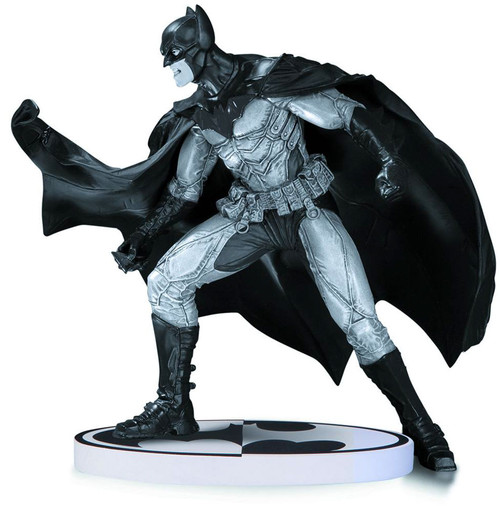 Black & White Batman 6.5-Inch Statue [Lee Bermejo 2nd Edition]