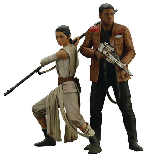 Star Wars The Force Awakens ArtFX+ Rey & Finn Statue Set