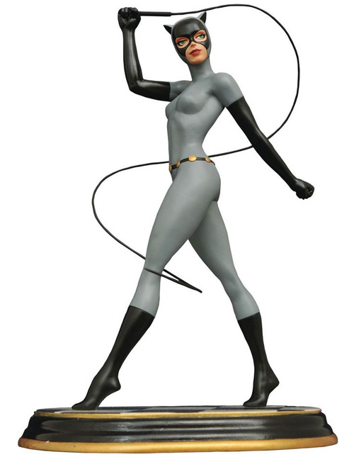 Batman The Animated Series Premiere Collection Catwoman 12-Inch Statue