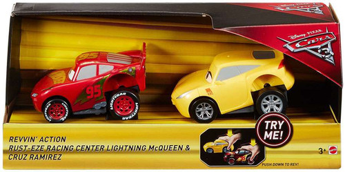 Disney / Pixar Cars Cars 3 Revvin' Action Rust-Eze Racing Center Lightning McQueen & Cruz Ramirez Exclusive Vehicle 2-Pack
