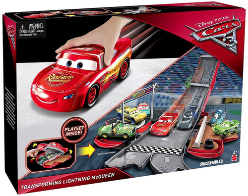 Disney / Pixar Cars Cars 3 Transforming Lightning McQueen Playset