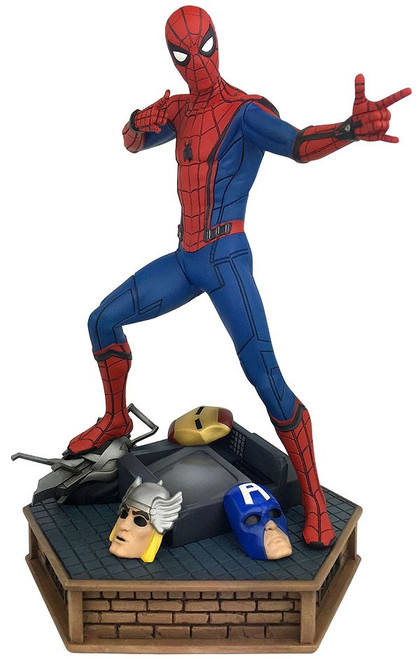 Spider-Man: Homecoming Marvel Premier Collection Spider-Man 12-Inch Resin Statue
