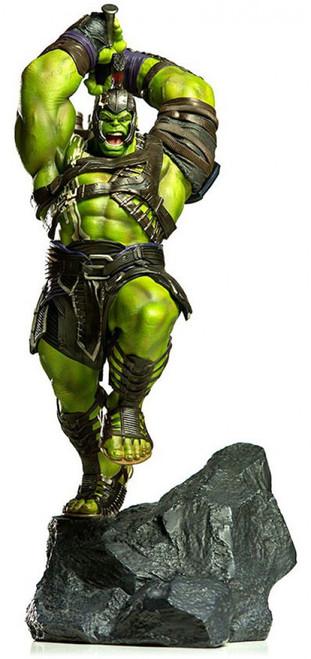 Marvel Thor: Ragnarok Hulk Battle Diorama Statue