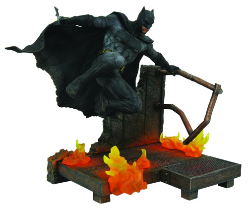 Justice League DC Gallery Batman 9-Inch PVC Figure Statue (Pre-Order ships February)