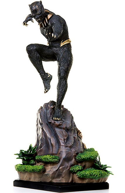 Marvel Black Panther Killmonger Battle Diorama Statue